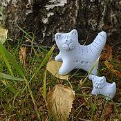 """Для дома и интерьера ручной работы. Ярмарка Мастеров - ручная работа Статуэтка """"кошка с котенком, из керамики, фигурка кошка. Handmade."""