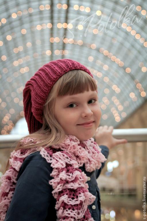 Мягкий шарфик с оборочками бордово-розовый