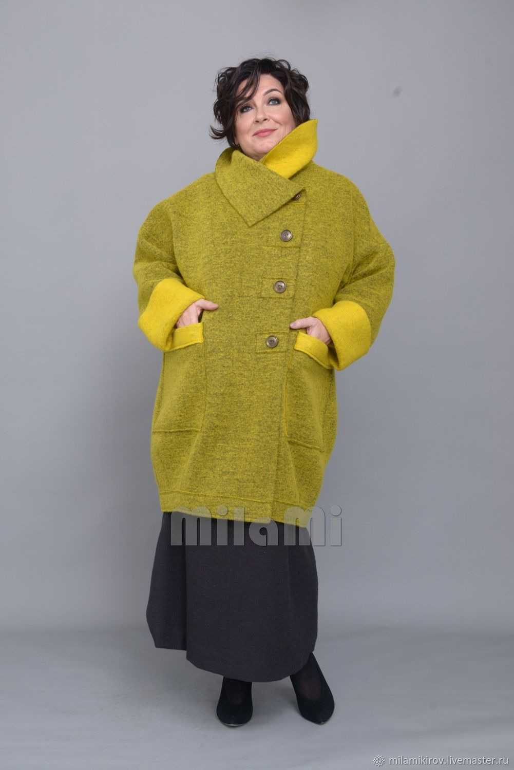 Coat of felted wool with open sections, yellow-green Art. Four thousand one hundred sixteen, Coats, Kirov,  Фото №1