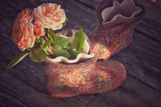 """Обувь ручной работы. Ярмарка Мастеров - ручная работа. Купить Чуни """"Чайные розы"""". Handmade. Коричневый, чуни, подарок женщине"""