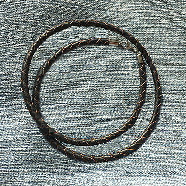 Украшения ручной работы. Ярмарка Мастеров - ручная работа Шнурок  4,0 мм темно-коричневый плетеная кожа. Handmade.
