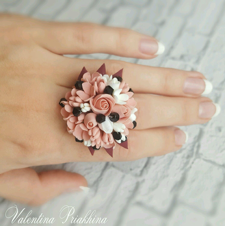 Как сделать яркое цельное кольцо из полимерной глины