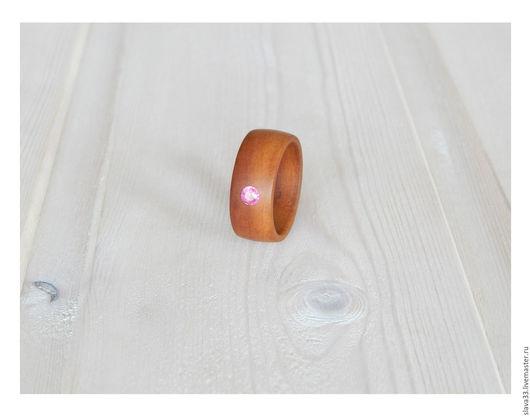 Кольца ручной работы. Ярмарка Мастеров - ручная работа. Купить Деревянное кольцо с рубином.. Handmade. Деревянное кольцо, рубин, бежевый