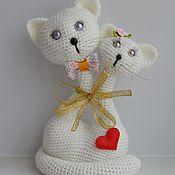 Куклы и игрушки ручной работы. Ярмарка Мастеров - ручная работа Вязаные сердечные котики. Handmade.