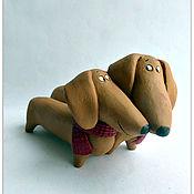 Куклы и игрушки ручной работы. Ярмарка Мастеров - ручная работа Таксопара.    Керамика. Таксы.. Handmade.
