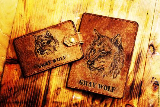 """Персональные подарки ручной работы. Ярмарка Мастеров - ручная работа. Купить Подарочный набор """"Серый волк"""" обложка и визитница. Handmade."""