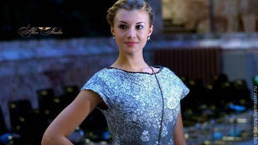 Модель: Дарья Захаренкова. Фото: Алекс-Студио.