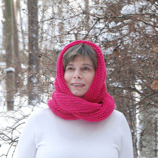 """Шали, палантины ручной работы. Ярмарка Мастеров - ручная работа. Купить Снуд-шарф """"Яркий амарант"""" (полушерсть). Handmade. Фуксия"""