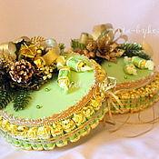 """Подарки к праздникам ручной работы. Ярмарка Мастеров - ручная работа Новогодний торт из конфет с печеньем """"Сюрприз"""" Букет из конфет. Handmade."""