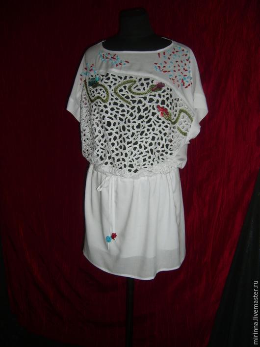 """Платья ручной работы. Ярмарка Мастеров - ручная работа. Купить вышитое белое летнее платье""""бутоны мака"""". Handmade. Белый"""