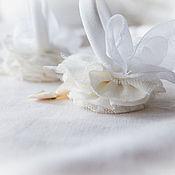 Украшения ручной работы. Ярмарка Мастеров - ручная работа бохо резинки для волос В белом. Handmade.