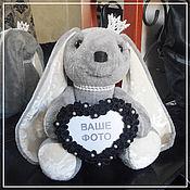 Куклы и игрушки ручной работы. Ярмарка Мастеров - ручная работа Зайчик с фоторамкой в форме сердца. Handmade.