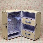 Куклы и игрушки ручной работы. Ярмарка Мастеров - ручная работа Шкаф-чемодан кукольный БЕЖ. Handmade.