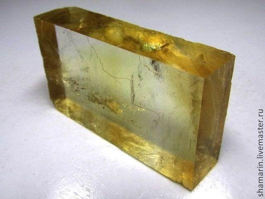 Натуральный кальцит с желтым оттенком