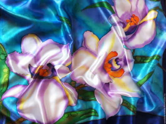 батик Платок `Сиреневые орхидеи 2` написан на натуральном шёлк атласе, расписан в ручную профессиональными красителями. Подарите себе роскошь !!!