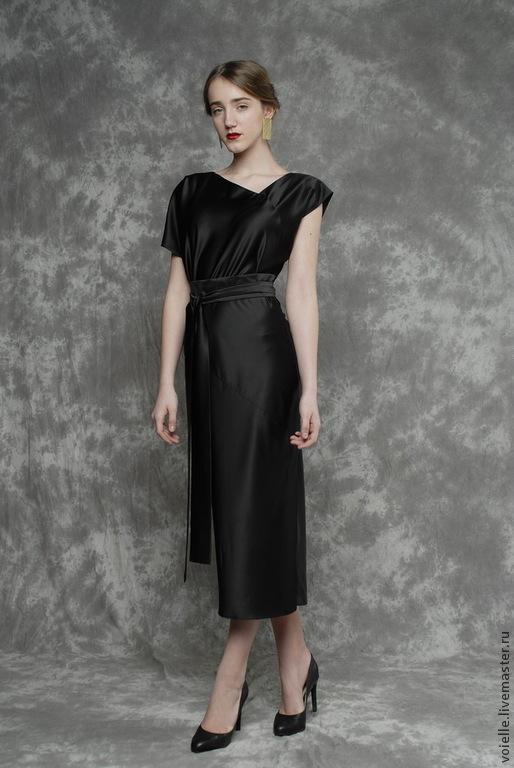 Платье с косой горловиной