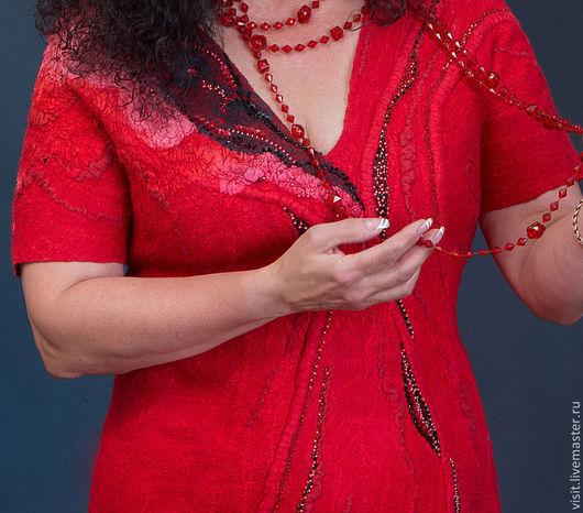"""Платья ручной работы. Ярмарка Мастеров - ручная работа. Купить Платье валяное """"Огненный танец"""". Handmade. Ярко-красный, двусторонний"""
