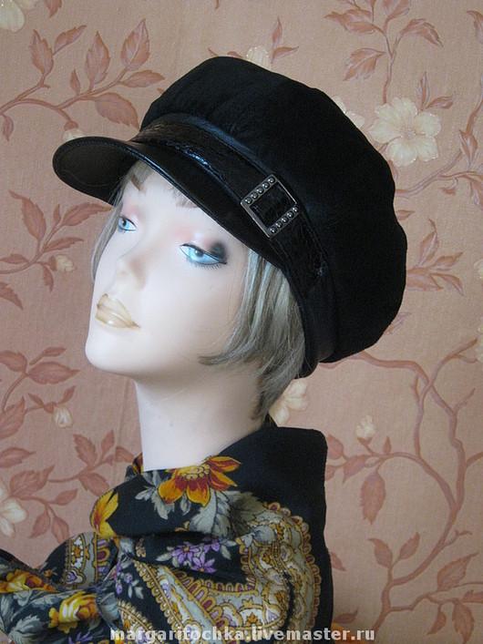 Кепки ручной работы. Ярмарка Мастеров - ручная работа. Купить Замшевая кепочка женская. Handmade. Черная, осенняя шапочка, флис