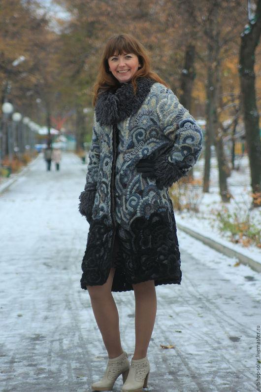 Пальто `Зимнее очарование`. Ручная работа.
