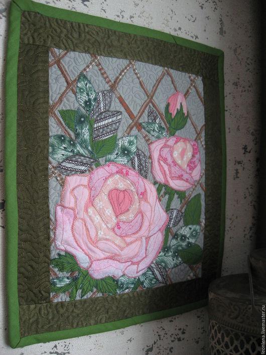 """Картины цветов ручной работы. Ярмарка Мастеров - ручная работа. Купить Панно """"Розы на шпалере"""". Handmade. Розовый, розы из ткани"""