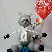 Подарки к праздникам ручной работы. Ярмарка Мастеров - ручная работа Енот из воздушных шаров.. Handmade.