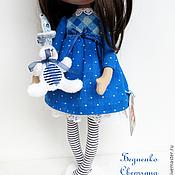 Куклы и игрушки ручной работы. Ярмарка Мастеров - ручная работа Малышка с зайкой. Handmade.