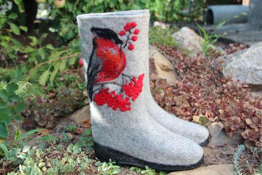 Обувь ручной работы. Ярмарка Мастеров - ручная работа. Купить Валенки Снегири-3 сделаны на заказ. Handmade. Серый