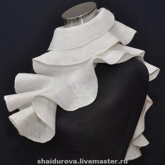 Шарфы и шарфики ручной работы. Ярмарка Мастеров - ручная работа. Купить шарф Нежный-белоснежный.. Handmade. Валяный шарф