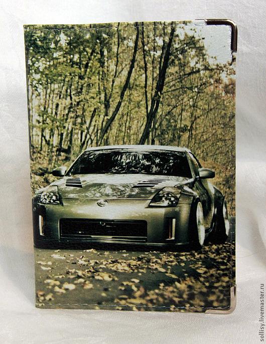 """Обложки ручной работы. Ярмарка Мастеров - ручная работа. Купить обложка """"Машина в лесу"""" (кожа). Handmade. Машина, подарок"""