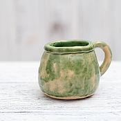 Посуда ручной работы. Ярмарка Мастеров - ручная работа Маленькая зеленая кружка. Handmade.