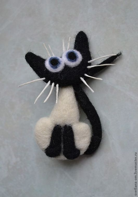 """Броши ручной работы. Ярмарка Мастеров - ручная работа. Купить Валяная брошь """"Кот черно-белый"""". Handmade. Валяная брошь"""