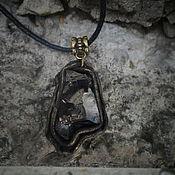 Подвеска ручной работы. Ярмарка Мастеров - ручная работа Шунгит в кожаном обрамлении. Handmade.