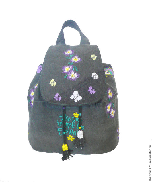 Джинсовый рюкзак серый  `Анютины глазки` с вышивкой. Автор ZhannaPetrakova Atelier Moscow. Рюкзаки ручной работы. Купить рюкзак с вышивкой. Женский рюкзак,модный рюкзак, handmade.