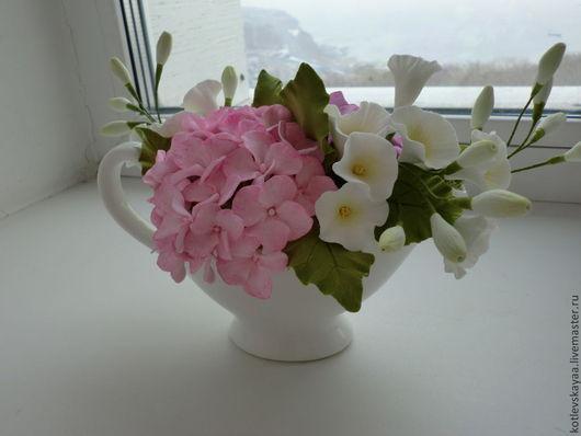 Цветы ручной работы. Ярмарка Мастеров - ручная работа. Купить Гортензия и вьюнок в белом молочнике. Handmade. Разноцветный