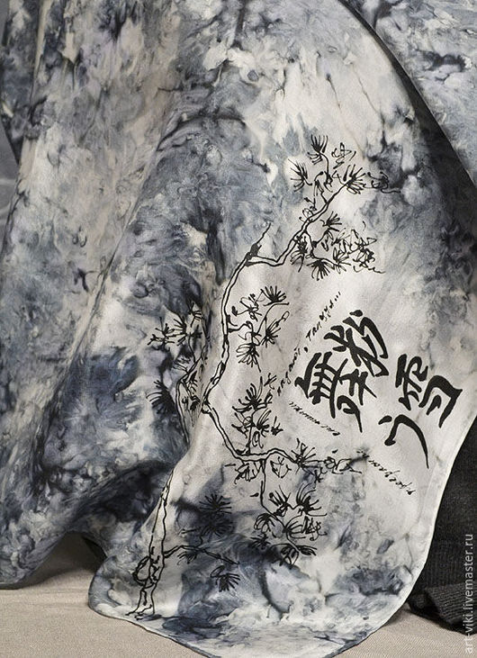 """Шали, палантины ручной работы. Ярмарка Мастеров - ручная работа. Купить Платочек шейный """"Юкими"""" ручная роспись, батик, шелк. Handmade."""