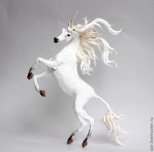 """Сказочные персонажи ручной работы. Ярмарка Мастеров - ручная работа. Купить фигурка """"Белый единорог тёплого ветра"""" (белая лошадь). Handmade."""