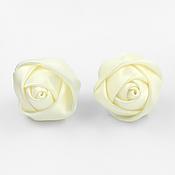 """Украшения ручной работы. Ярмарка Мастеров - ручная работа Винтажные серьги """"Белые атласные розы"""" из лент. Handmade."""