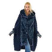 Пальто Кейп ручной работы вязаное из альпаки на подкладке и с мехом