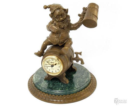 Часы для дома ручной работы. Ярмарка Мастеров - ручная работа. Купить Гном-пивник. Handmade. Гном, пиво, пивной бокал