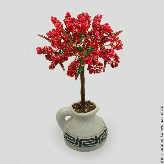 Дерево из коралла `Афина` в вазочке из белой глины