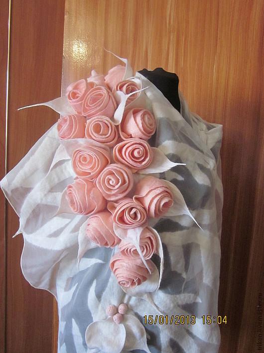 """Шали, палантины ручной работы. Ярмарка Мастеров - ручная работа. Купить Палантин-шарф """" Розовые розы"""". Handmade. Розовый"""