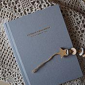 """Аксессуары для фотосессии ручной работы. Ярмарка Мастеров - ручная работа Альбом первого года  """"История начинается"""". Handmade."""