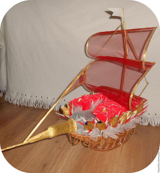 Букеты ручной работы. Ярмарка Мастеров - ручная работа. Купить Кораблик с конфетами и алкоголем. Handmade. Ярко-красный, букет из конфет