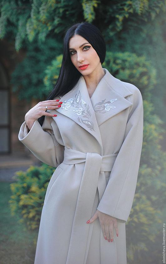 Верхняя одежда ручной работы. Ярмарка Мастеров - ручная работа. Купить Нарядное светлое пальто с вышивкой «Хрустальный сон-2». Handmade.
