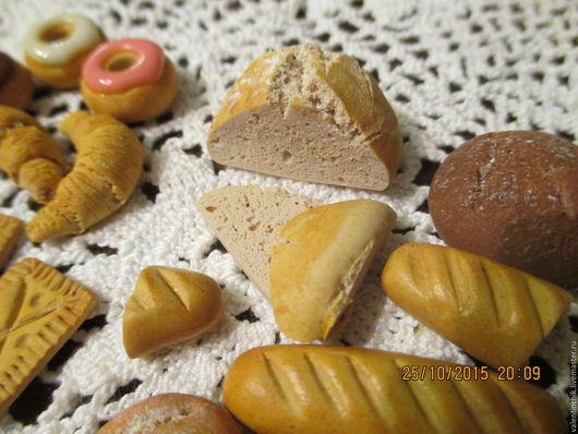 Еда ручной работы. Ярмарка Мастеров - ручная работа. Купить Кулинарная миниатюра. Черный и белый хлеб из полимерной глины. Handmade.