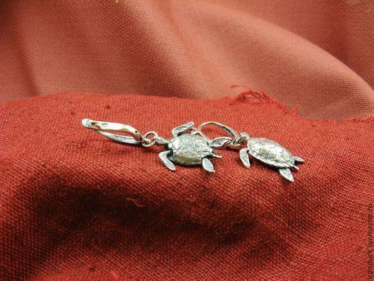 """Серьги ручной работы. Ярмарка Мастеров - ручная работа. Купить серьги """"морская черепашка"""". Handmade. Серебряный, подарок девушке, черепахи"""