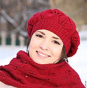 Аксессуары ручной работы. Ярмарка Мастеров - ручная работа Шапка шарф комплект вязаный бордовый красный бежевый. Handmade.