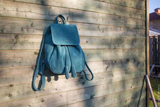 Рюкзаки ручной работы. Ярмарка Мастеров - ручная работа. Купить Рюкзак замшевый женский, зеленый , 9 литров. Handmade. Однотонный