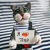 """Куклы и игрушки ручной работы. Ярмарка Мастеров - ручная работа Войлочный кот """"Моряк Тихон"""" с рыбкой. Валяный кот игрушка.. Handmade."""