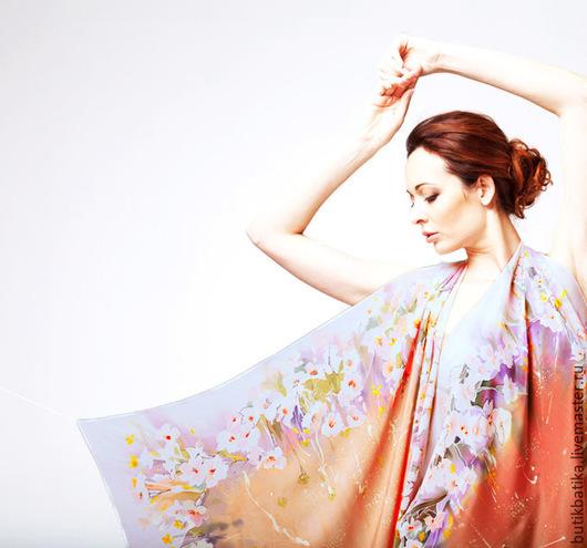 Шали, палантины ручной работы. Ярмарка Мастеров - ручная работа. Купить Шелковый платок батик Вдохновение весны. Handmade. Разноцветный